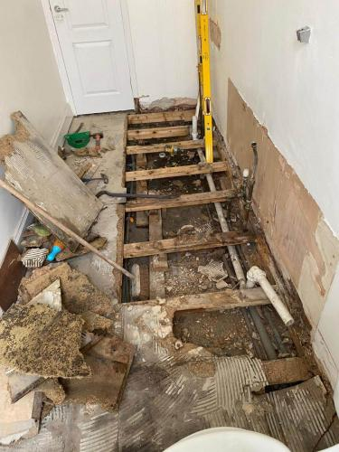 bathroom-floor-joist-rotten