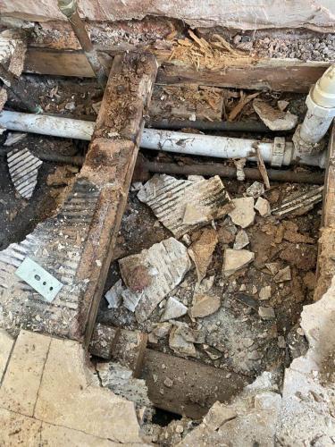 fitting-new-bathroom-floor-joist